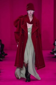 defile-martin-maison-margiela-upcycling-podcast-recycling-john-galliano-tweed-bourgeoisie-revtion-artisanat-couture-prinolutemps-ete-2020-numero-magazine47